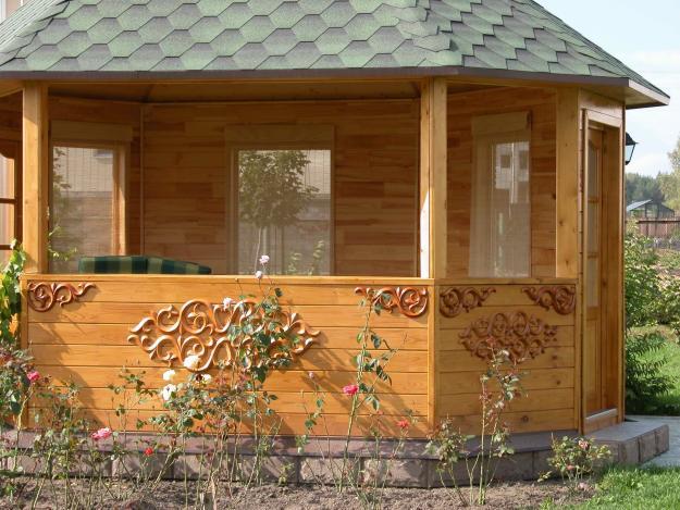 Деревянные беседки и садовая мебель